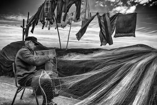 El pescador y su redDaniel Vidal Pollarolo